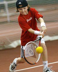 STOCKHOLM  20060318 Tennis Wilson mIni tour Djursholms TK Foto: Jack Mikrut COPYRIGHT: JACK MIKRUT/DAGENS INDUSTRI